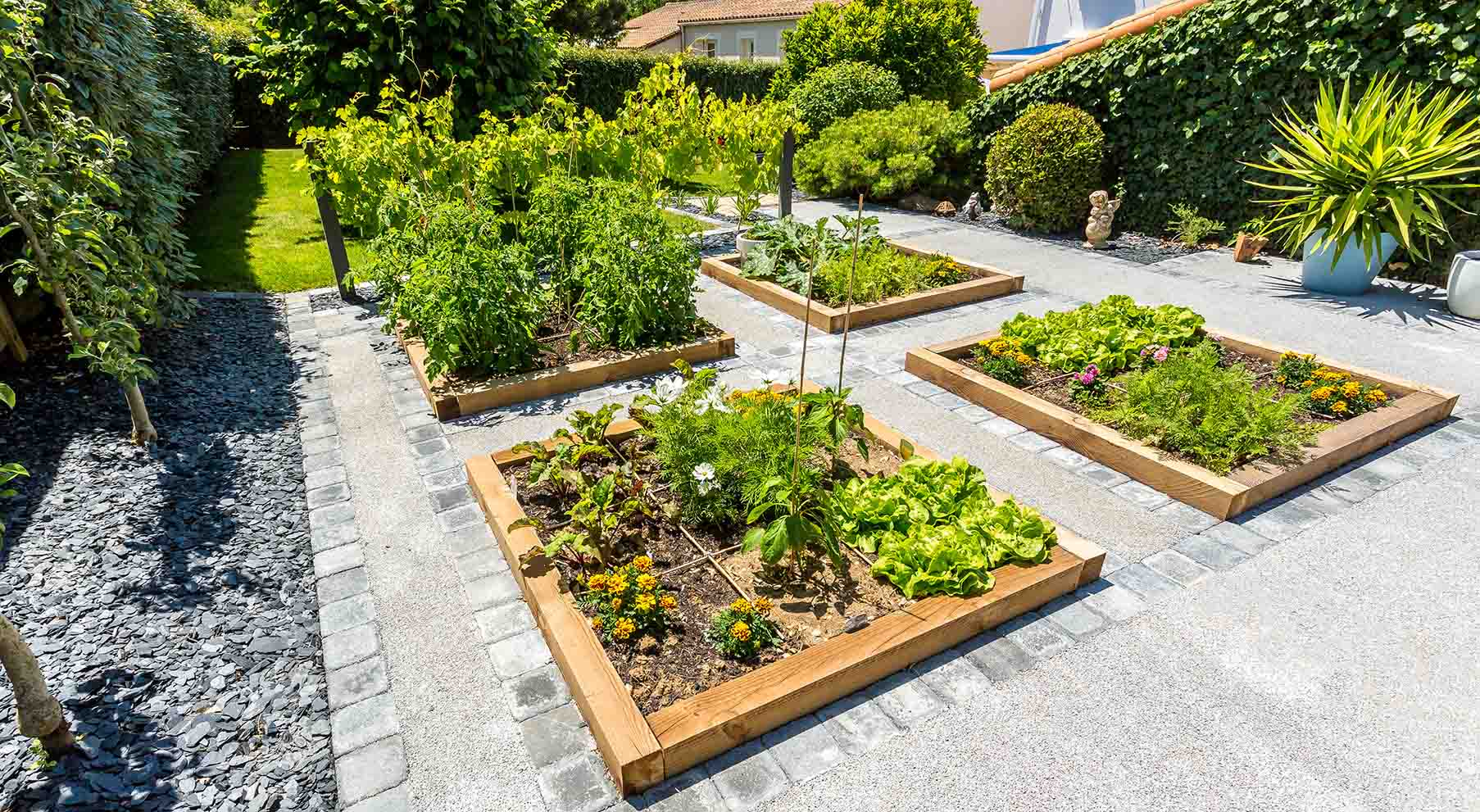 Decoration jardin potager qj45 jornalagora for Carre jardin