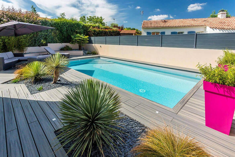 R alisations de jardin et am nagement d 39 ext rieur en vend e oxygen paysages - Piscine moderne ...