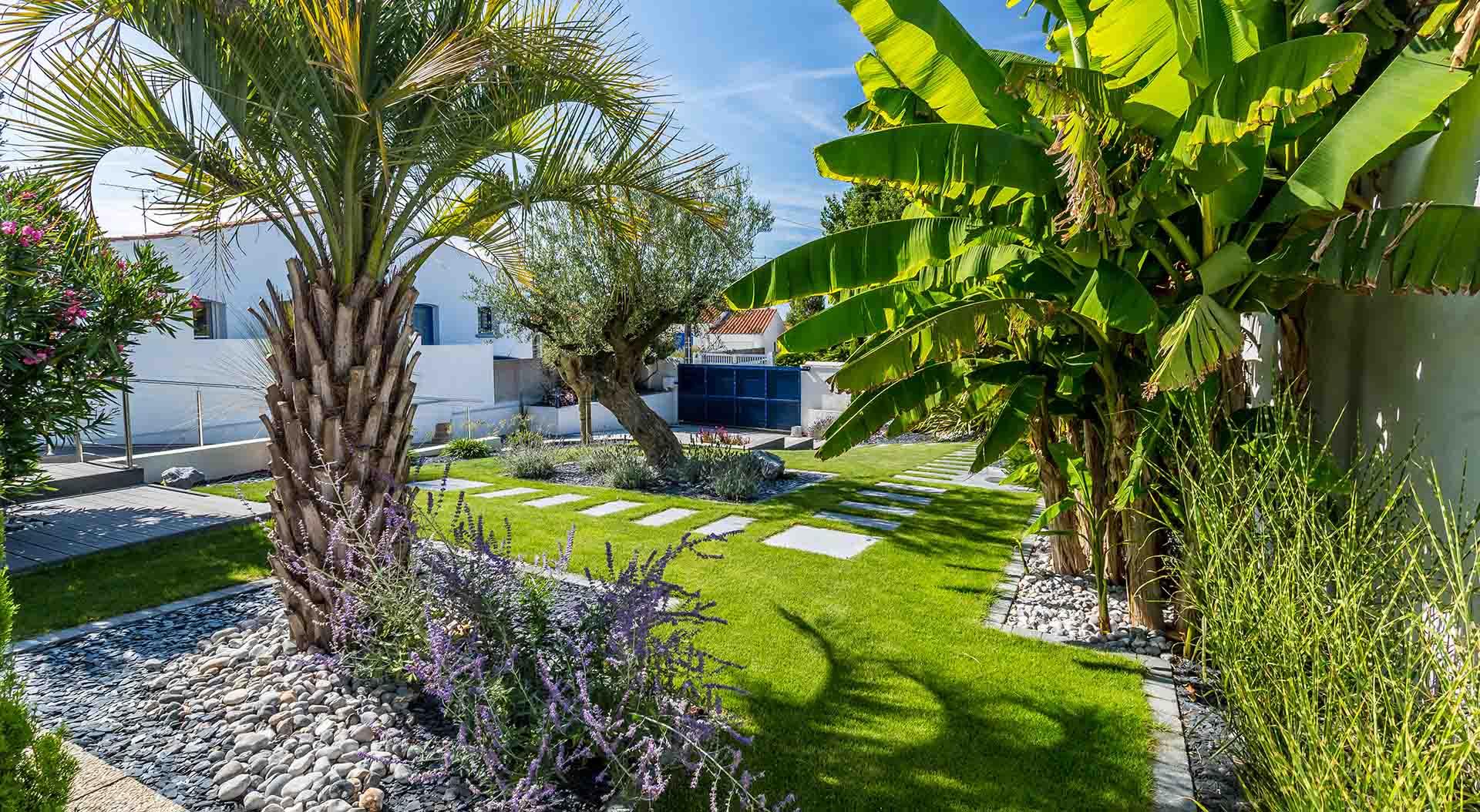 R alisations de jardin et am nagement d 39 ext rieur en - Amenagement exterieur jardin moderne ...